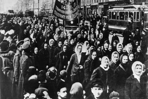foto del día de la revolución de la mujer movimiento feminista origenes del feminismo y de la igualdad por la mujer